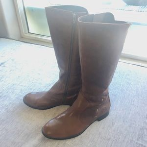 Born Leather Boots tan brown